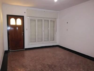 Venta casa en Villa Mitre 2d, lote de 8.66 x 60