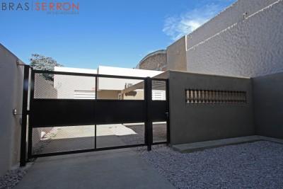 Vendo casa interna Irigoyen al 1200